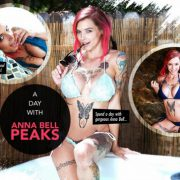 Lifeselector – A day with Anna Bell Peaks